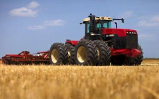 Характеристика основных представителей серии тракторов Versatile